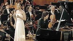 伊藤由奈さんが歌う主題歌